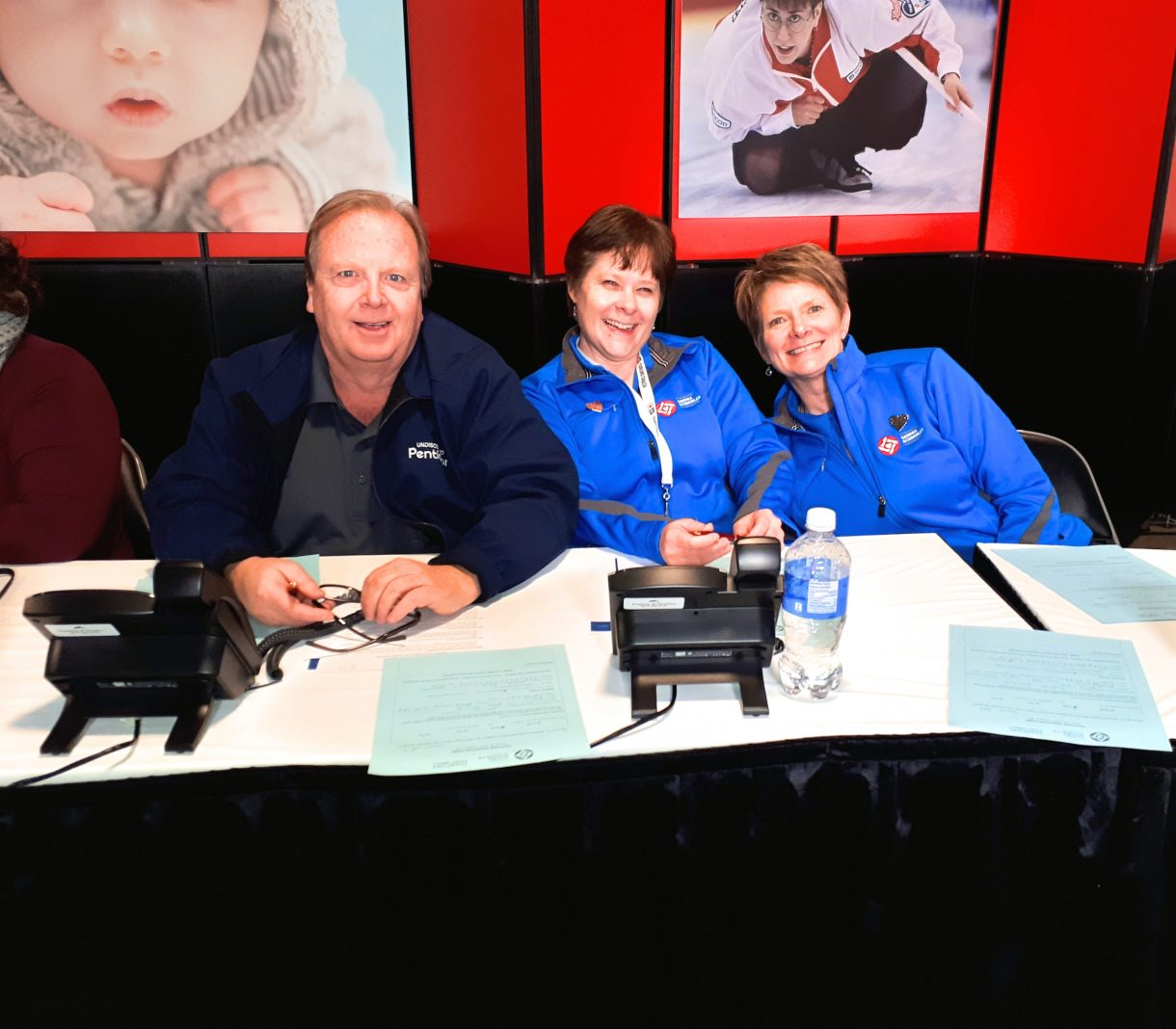 Minuteman Press franchise Co-Owner Andre Martin (left) at the 2018 Scotties Tournament of Hearts Canada Curling Championships. http://www.minutemanpressfranchise.ca